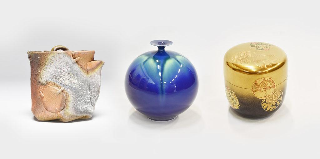 様々な素材で作られた骨董品